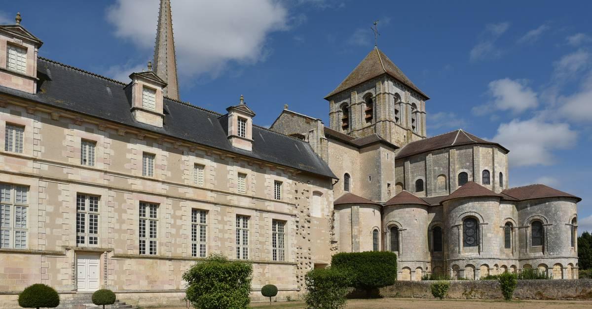 Abbaye de saint savin et vall e des fresques office de tourisme de sud vienne poitou - Office tourisme vienne 38 ...