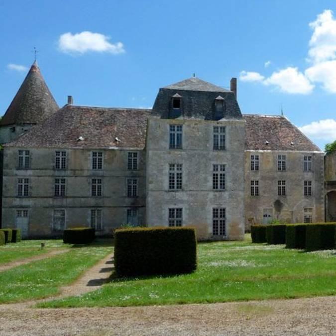 Abadía real de La Réau en Sud Vienne Poitou